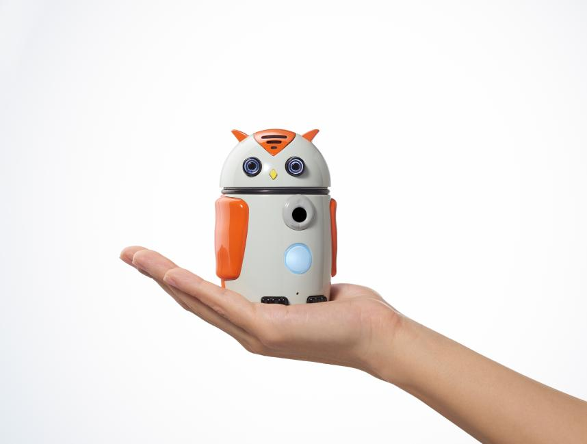 AI搭載の小型動物ロボットで認知症の未病改善へ