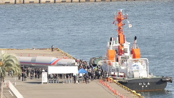 名古屋港において、LNG燃料タグボートへ燃料を供給する実証実験を実施