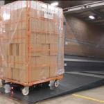 日通、荷役作業の省力化に向け、搬送支援AGVを導入