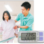 ゆっくり歩きやすり足などの不規則歩行を計測!リハビリ歩行計AM800N発売!!